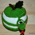Knitted toy Apple Snake 01